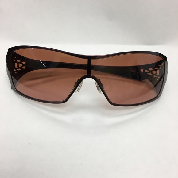 27b7e360d57e0 Metal Women Oakley Dart Berry Sunglasses. M 5a7b3dcf3afbbd59f6941a85